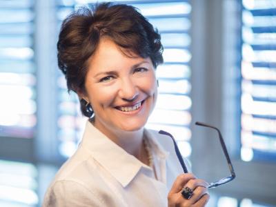 Dr. Martine Klausmann