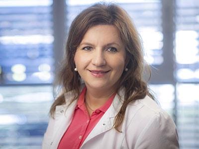 Dr. Zuzana Miklasová